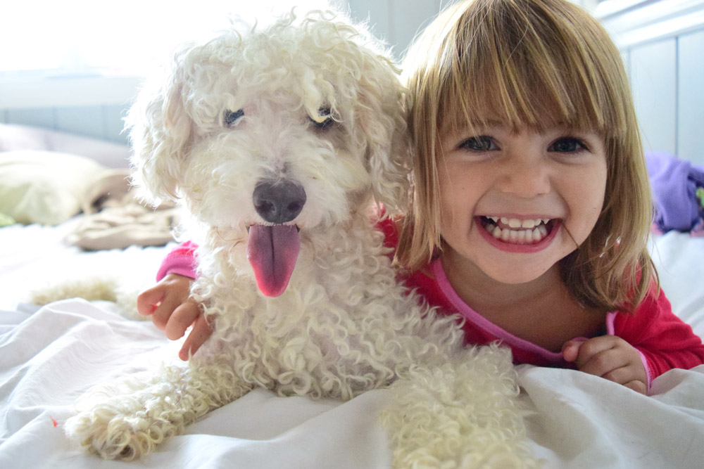 child-with-pet